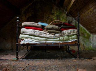 Glendas Fathers Bed