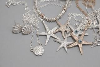 jewellery.jpg#asset:9428